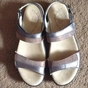 SAS Nudu Dusk sandals size 7 M, NEW?